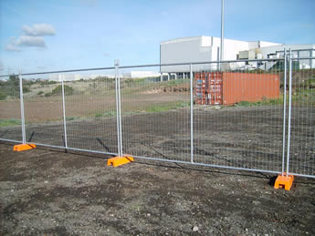 A row of Australia portable fences are installed in the factory.